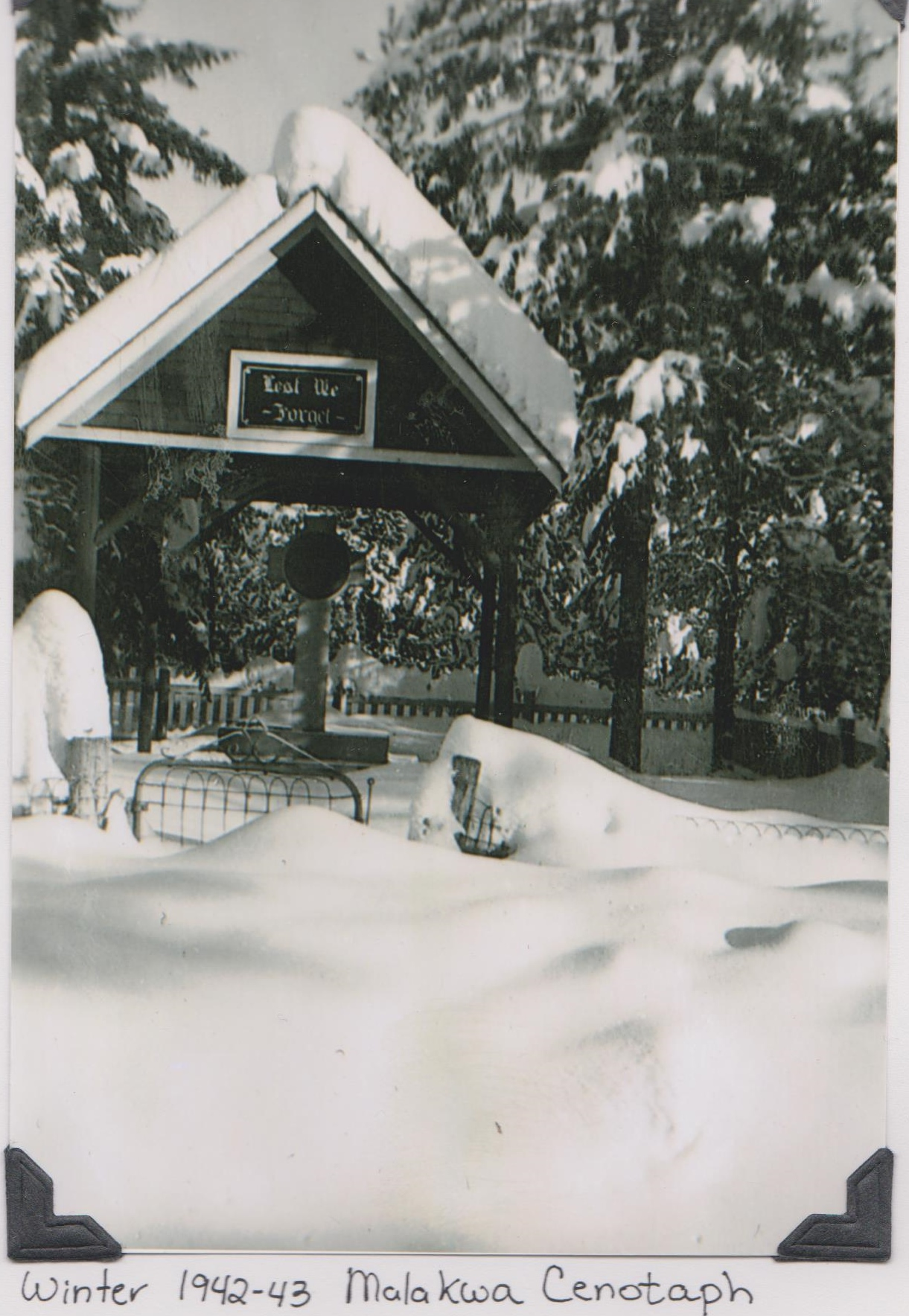 cenotaph winter lg