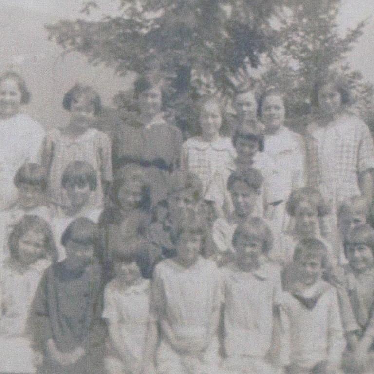 students malakwa 1920s